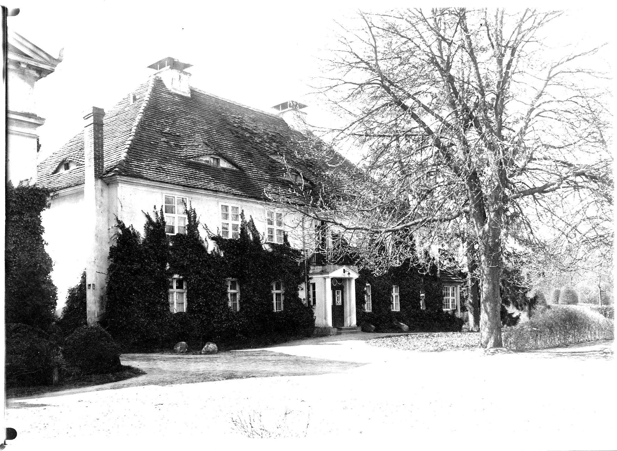 LS-Brallentin13_1920_Ostenhaus_Altes_Herrenhaus