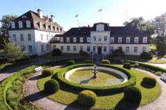 LS-Schloss-Gross-Plasten2